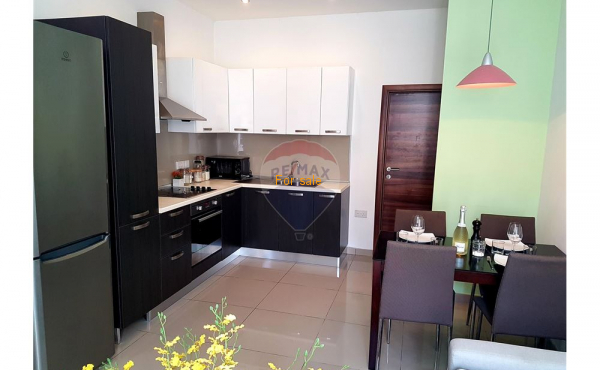 Two bedroom Apartment - For Sale - Gzira